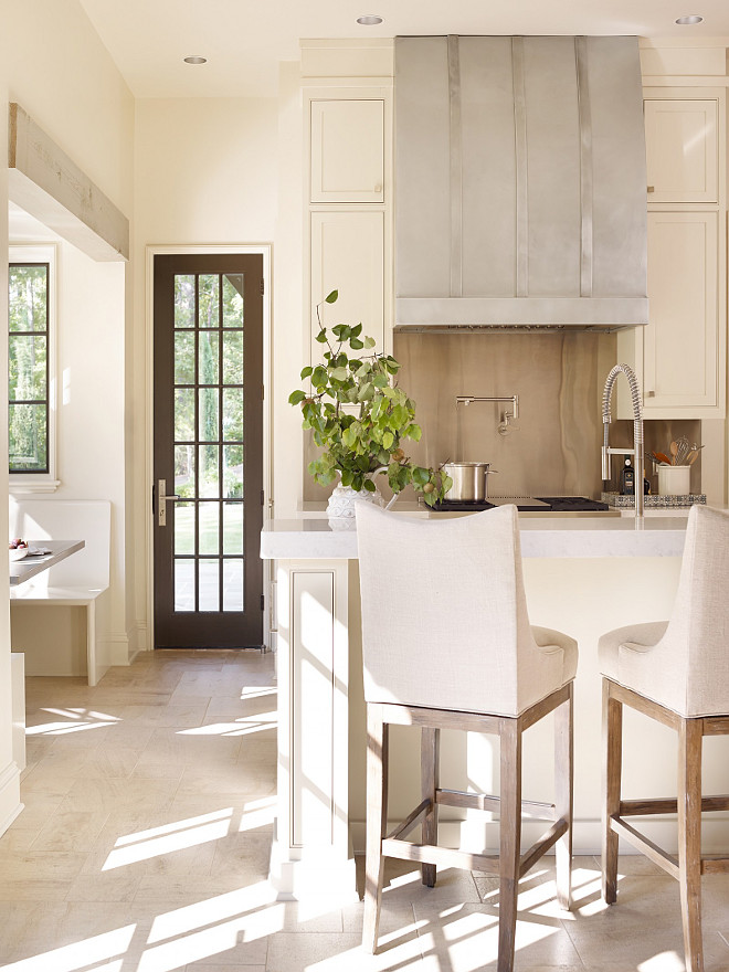 Neutral Kitchen with Ivory Cabinets. Neutral Kitchen with Ivory Cabinet Paint Color. Neutral Kitchen with Ivory Cabinet #NeutralKitchen #IvoryCabinets #IvoryKitchenCabinets Jeffrey Dungan Architects