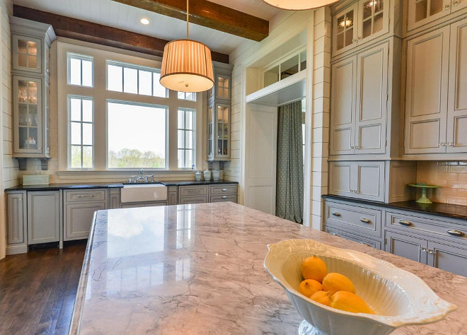 White Vermont Quartzite. Kitchen with White Vermont Quartzite Countertop #WhiteVermontQuartzite