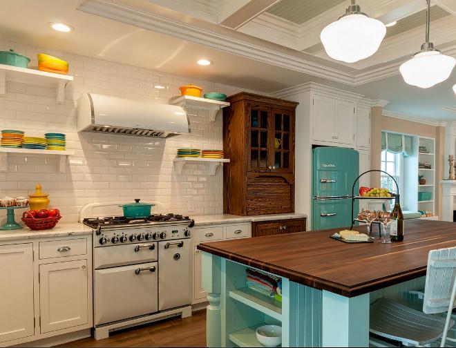 Retro beach kitchen style home bunch interior design ideas for Beach kitchen backsplash ideas