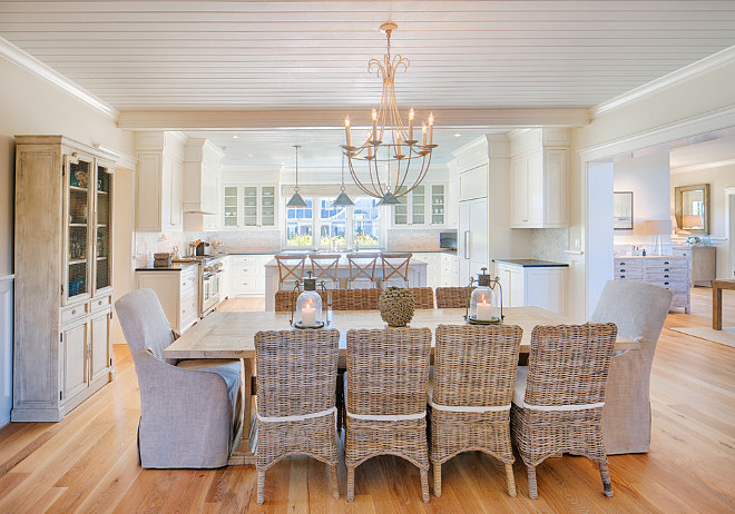 Dining room opens to kitchen. Coastal home with dining room opening to kitchen. Beach style home dining room opening to kitchen. #diningroom #kitchen #beachhouse #beachstyleinteriors #diningroomopenstokitchen