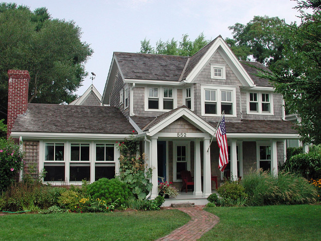 Shinge home exterior paint color. All the trim work is red cedar, painted with Benjamin Moore exterior house paint. Hammer Architects