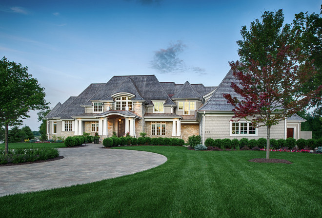 Traditional Shingle Home exterior. Traditional Shingle Home exterior ideas. Traditional Shingle Home exteriors Traditional Shingle Home exterior #TraditionalShingleHome #ShingleHome #exterior #ShingleHomeexterior #TraditionalShingleHomeexterior Southview Design. Eskuche Design.