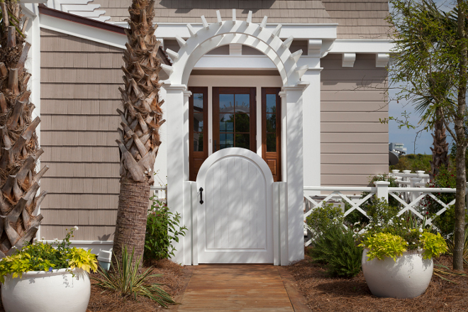 Front Entry Gate. Front Entry Gate and Fence. Front Entry Gate and Fence Ideas. Front Entry Gate and Fence Design. Front Entry White Gate. White Fence #FrontEntry #Gate #Fence #FrontEntrygate #FrontEntryfence #whitegate #whitefence T.S. Adams Studio, Architects