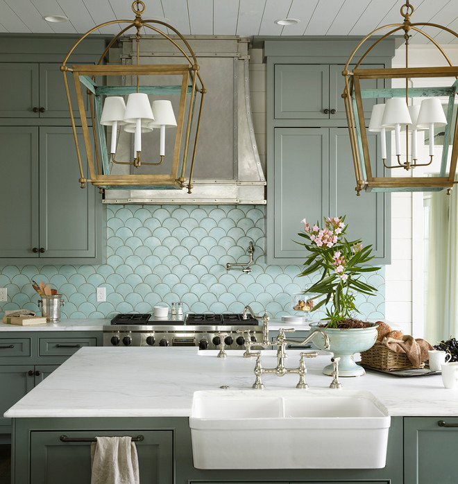 Brass Lantern Lighting. The brass lanterns above the island are Urban Electric Company Hamilton. Brass Lantern Lighting above island. Kitchen with Brass Lantern Lighting. #BrassLanternLighting #BrassLanterns #Lighting #kitchenlanters #kitchenbrasslantern #Brasskitchenlighting Urban Grace Interiors