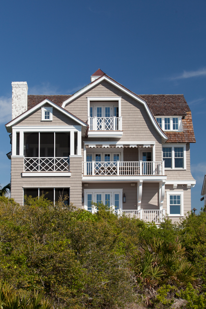 Shingle style Beach House exterior. Shingle style Beach House exterior trim and railing. Shingle style Beach House exterior trim and railing. Shingle style Beach House exterior trim and railing ideas. #ShinglestyleBeachHouse #exteriortrim #exteriorrailing T.S. Adams Studio, Architects