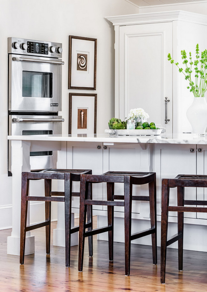 Benjamin Moore White Dove Kitchen and wall cabinets are painted Benjamin Moore OC-17 White Dove Kitchen Benjamin Moore White Dove. #BenjaminMooreOce17 #BenjaminMooreWhiteDove #BenjaminMooreWhiteDoveOC17 #BenjaminMoorePaintcolors #BenjaminMoore #Oc17 #WhiteDove Beach Chic Design.
