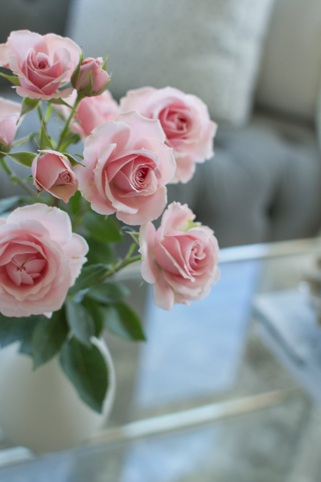 Roses. Pink Roses. Fresh flowers are always the best way to add some color to any space. #roses #pinkroses #freshflowers