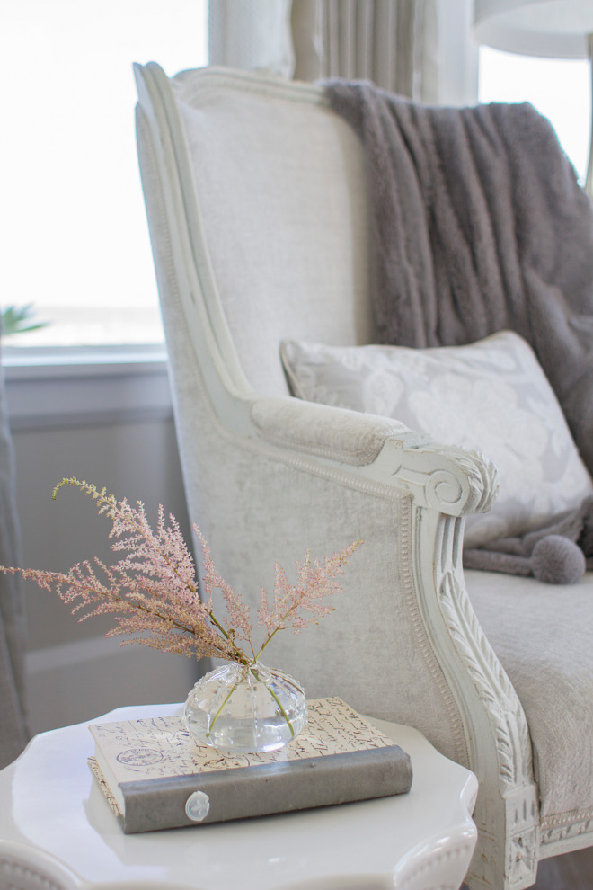 Side table decor. Side table decor ideas. Side table decorating ideas. Side table decor tips. #Sidetabledecor #tabledecor #tabledecortips Heritage Homes of Jacksonville and Villa Decor & Design