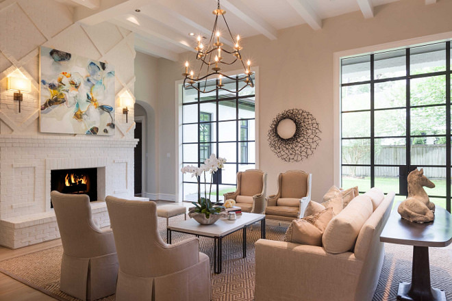 Living room. Neutral living room. Neutral living room with floor to ceiling fireplace. Neutral living room #Neutrallivingroom #livingroom #neutralinteriors #floortoceilingfireplace Elizabeth Garrett Interiors