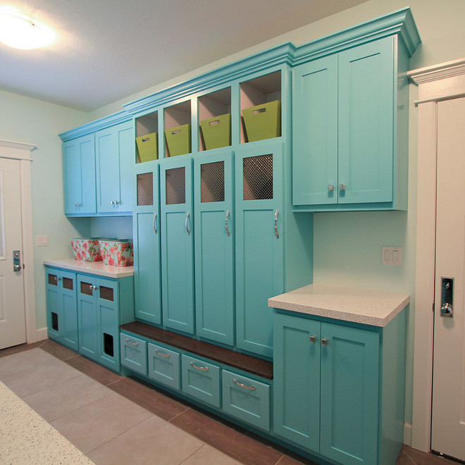 Holiday Turquoise SW0075 from Sherwin Williams. Holiday Turquoise SW0075 from Sherwin Williams. Holiday Turquoise SW0075 from Sherwin Williams. #HolidayTurquoise #SW0075 #SherwinWilliams. Design Hintz Interior Design