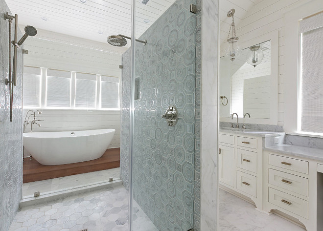 Bathroom layout. Shower located in the middle of the bathroom. #Bathroom #Shower #layout Holly Covington Designs