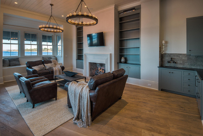 Family Room. Family room bookcases. Family room built in bookcase. Family room bookcases and wet bar. #Familyroom #bookcase #builtinbookcase