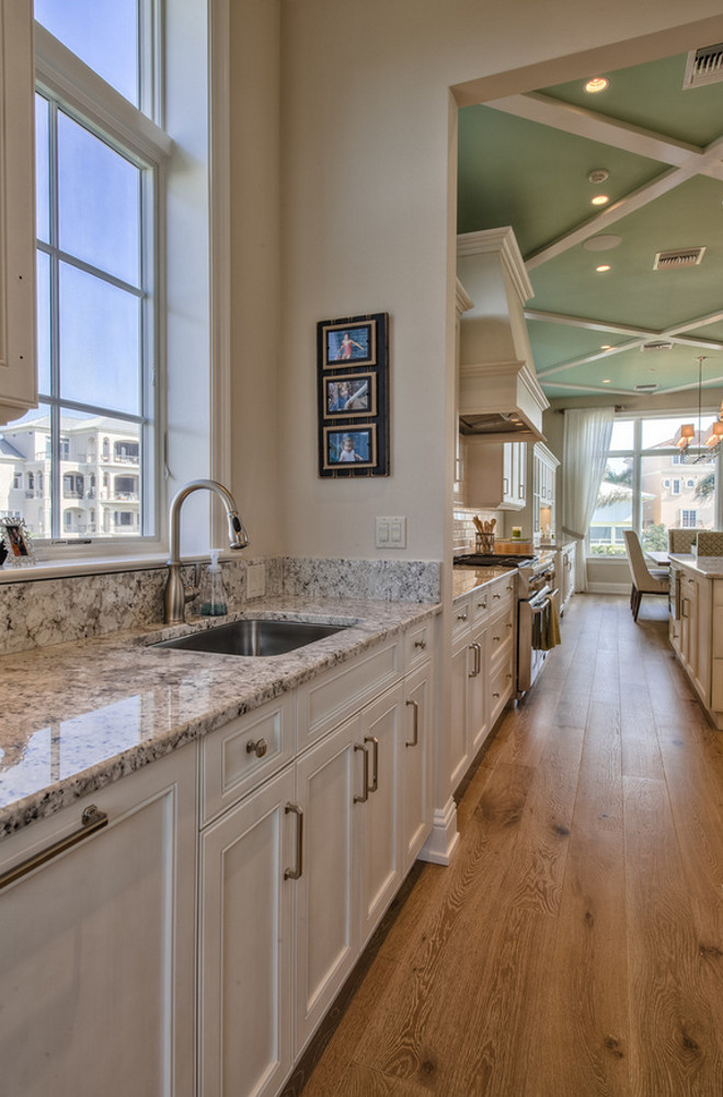 Fantastic White Granite. Granite Countertop Fantastic White. Fantastic White Granite #FantasticWhite #Granite #WhiteGranite #Countertop Calusa Construction, Inc.