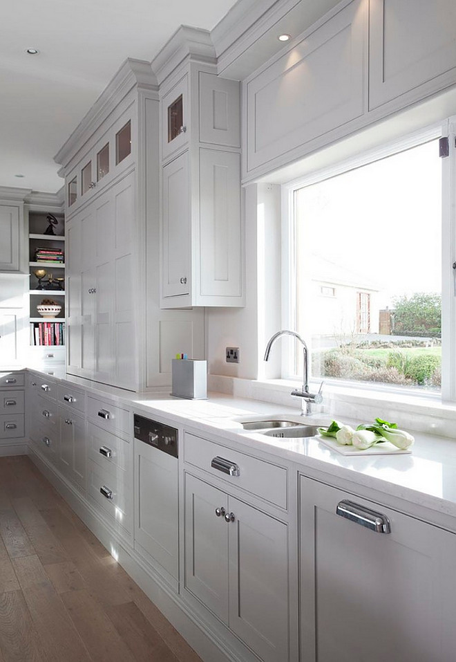 Gray kitchen cabinets. Gray kitchen cabinet Hardware. Gray kitchen cabinets with Armac Martin Hardware. #Gray #kitchen #cabinets #hardware Woodale Designs.