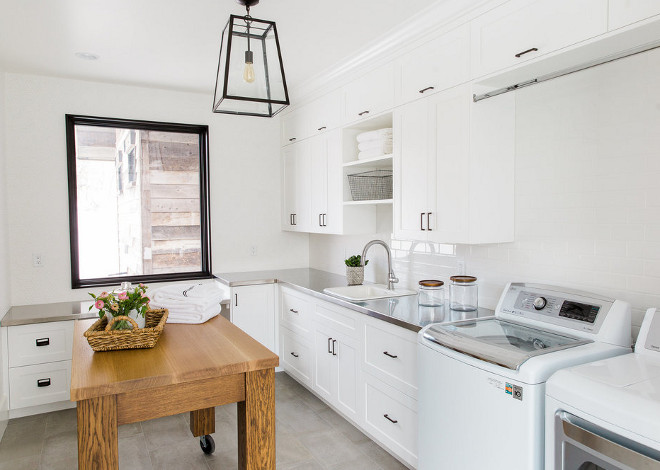 Laundry Room Crisp and clean Laundry Room. Laundry Room #LaundryRoom #CrispLaundryRoom Studio McGee.