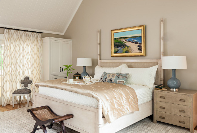 Edgecomb Gray Benjamin Moore. Neutral bedroom. Neutral tones and paint color in bedroom. Edgecomb Gray Benjamin Moore. Edgecomb Gray Benjamin Moore bedroom paint color. #neutral #Benjaminmoorepaintcolors #NeutralBMpaintcolor #EdgecombGray #BenjaminMoore Violandi + Warner Interiors