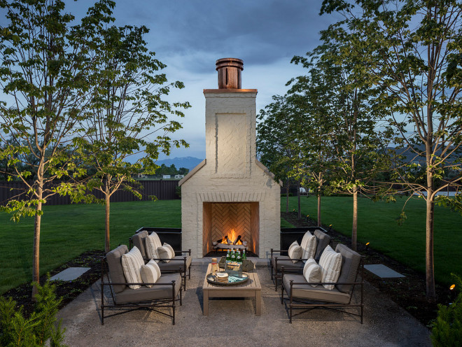 Outdoor Fireplace. Outdoor Fireplace Sitting Area. Outdoor Fireplace Sitting Area Ideas and Layout. #OutdoorFireplace #OutdoorSittingArea #SittingArea #Outdoors Jackson and LeRoy