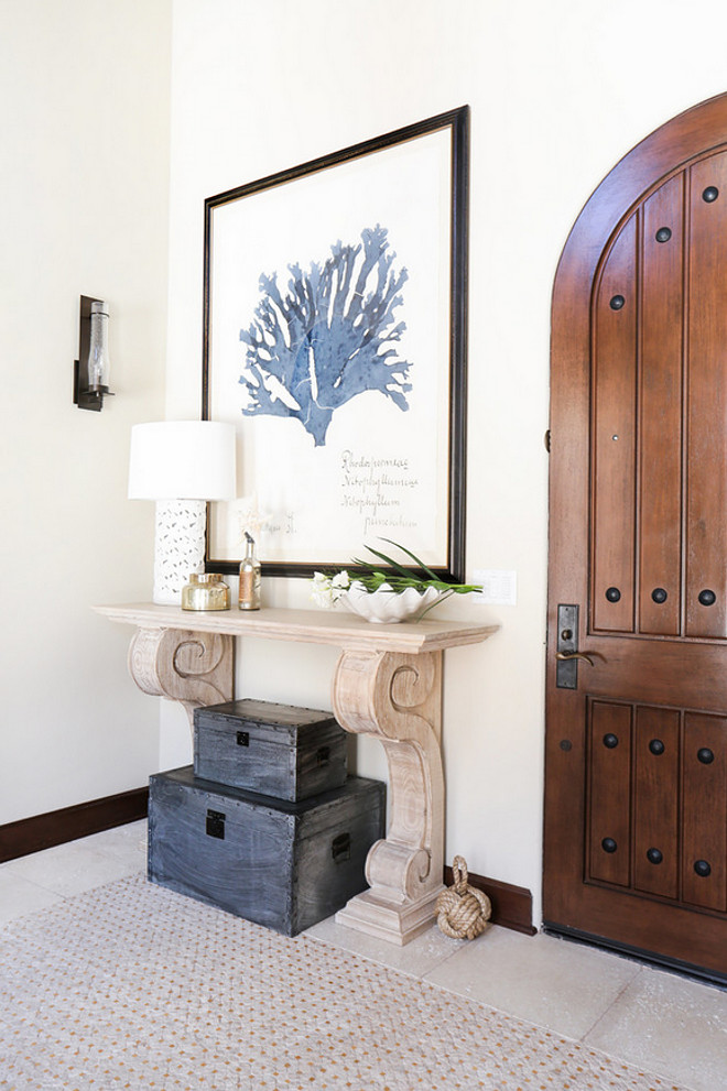 Small foyer console table. Small foyer console table ideas. Small foyer console table and decor #Smallfoyer #foyer #consoletable Blackband Design