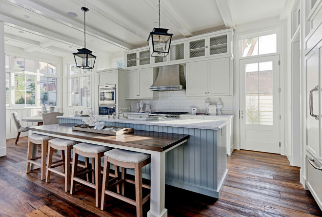 Farmhouse kitchen with reclaimed wood floors. Farmhouse kitchen with reclaimed wood floor. Farmhouse kitchen with reclaimed flooring #Farmhouse #kitchen #Farmhousekitchen #reclaimedwood #reclaimedfloor #woodfloor #plankfloor