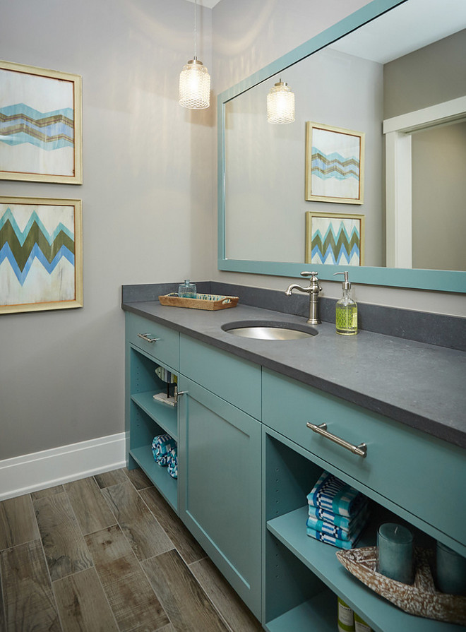 Benjamin Moore CW-595 Chesapeake Blue. Turquoise cabinet paint color is Benjamin Moore CW-595 Chesapeake Blue, Turquoise blu paint color Benjamin Moore CW-595 Chesapeake Blue #BenjaminMooreCW595ChesapeakeBlue
