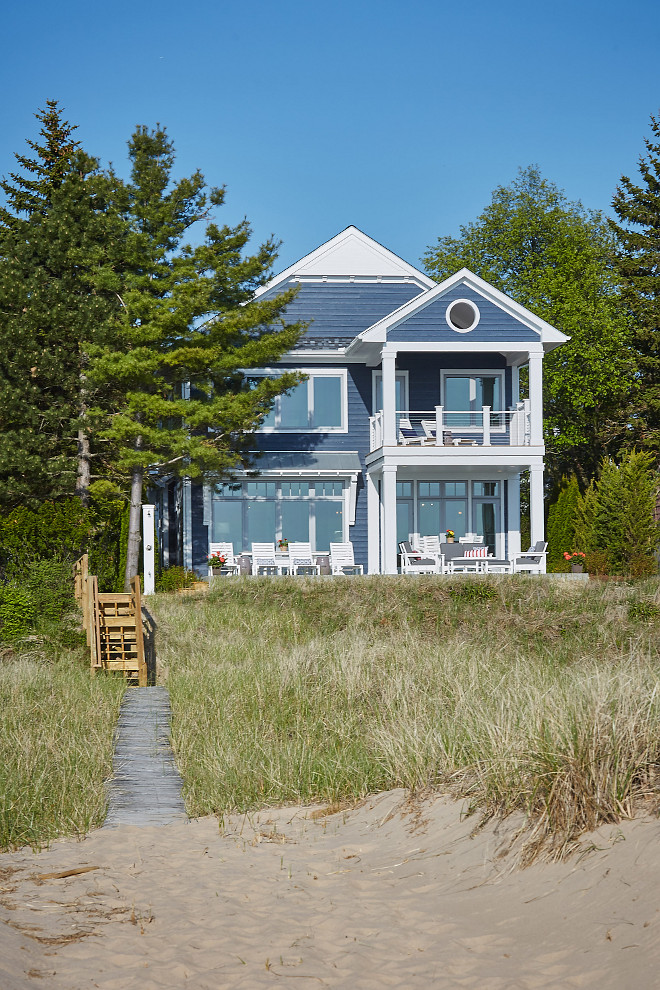Lake michigan dream vacation home home bunch interior for Narrow beach house