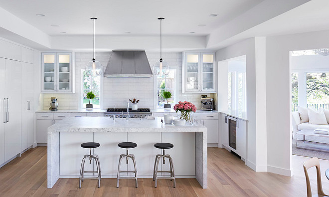 Benjamin Moore Super White OC-152. Kitchen cabinets, walls and ceiling paint color is Benjamin Moore Super White OC-152. #BenjaminMooreSuperWhiteOC152 #BenjaminMooreSuperWhite #BenjaminMooreOC152 Martha O'Hara Interiors