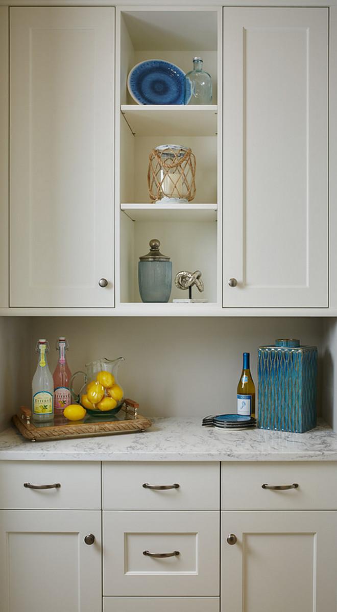 Benjamin Moore White Dove Butler pantry cabinet. Butler pantry cabinet paint color is Benjamin Moore OC 17 White Dove. Benjamin Moore White Dove Butler pantry #BenjaminMooreWhiteDove #Butlerpantry