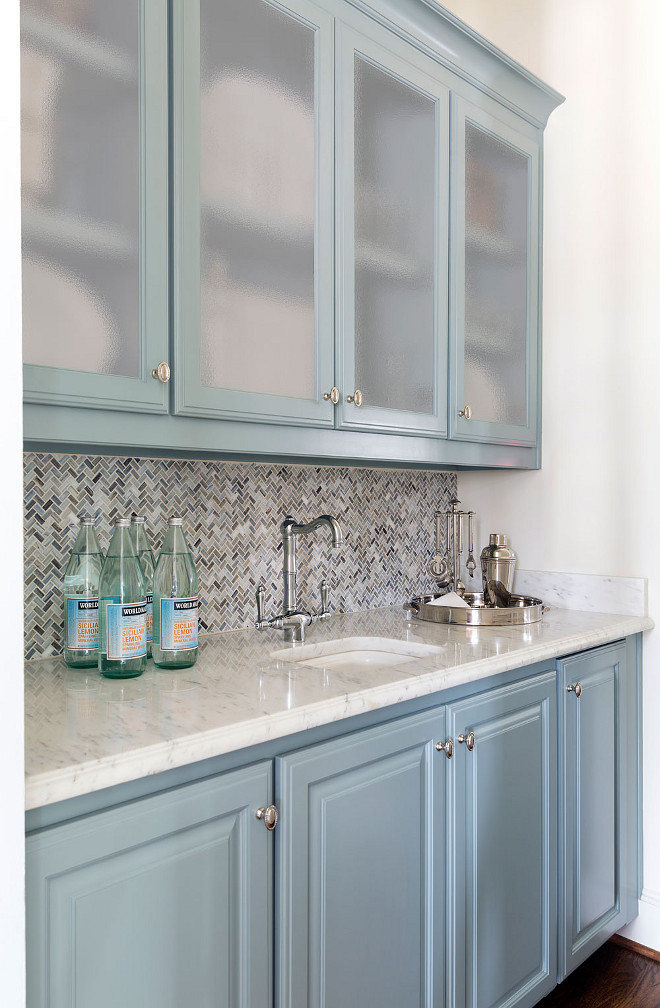 Butlers pantry cabinet paint color. Butlers pantry cabinet paint color ideas. Butlers pantry cabinet paint color names #Butlerspantry #cabinet #paintcolor Heather Scott Home & Design