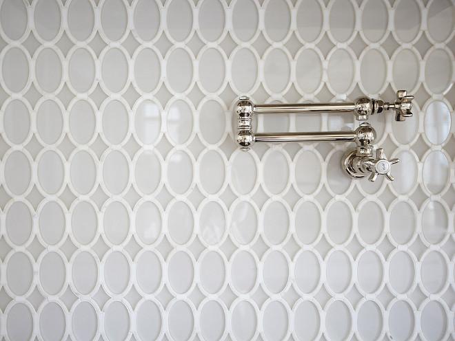 Kitchen Backsplash. Kitchen with oval glass tile backsplash. #kitchen #ovalglassbacksplash #ovaltiles #backsplash