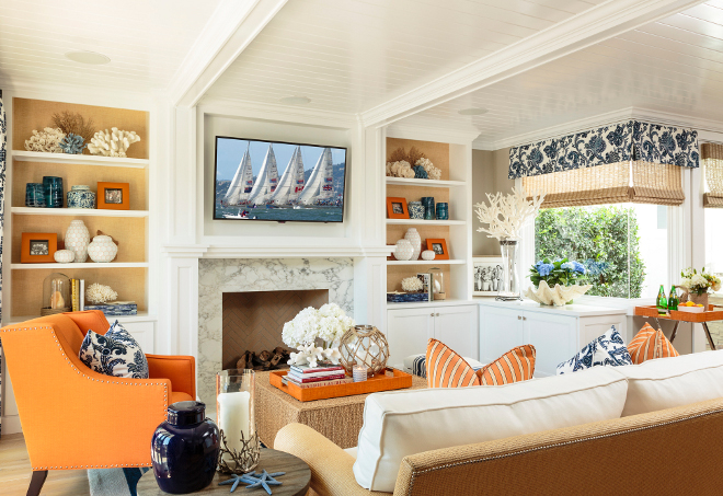 Living room bookcases with grasscloth wallpaper. Coastal Living room bookcases with grasscloth wallpaper. #Livingroom #bookcases #grasscloth #wallpaper Barclay Butera
