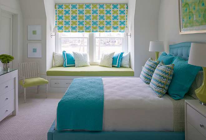 Turquoise and green bedroom. Turquoise and green bedroom. Turquoise and green bedroom decor, bedding, pillows, Roman shade. #Turquoise #turquoisegreen #bedroom Phoebe Howard