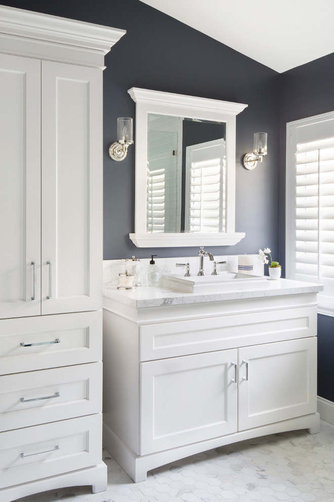 Benjamin Moore Hale Navy. Hale Navy by Benjamin Moore looks amazing in almost any room. Benjamin Moore Hale Navy Paint Color. Benjamin Moore Hale Navy #BenjaminMooreHaleNavy #BenjaminMoore #HaleNavy