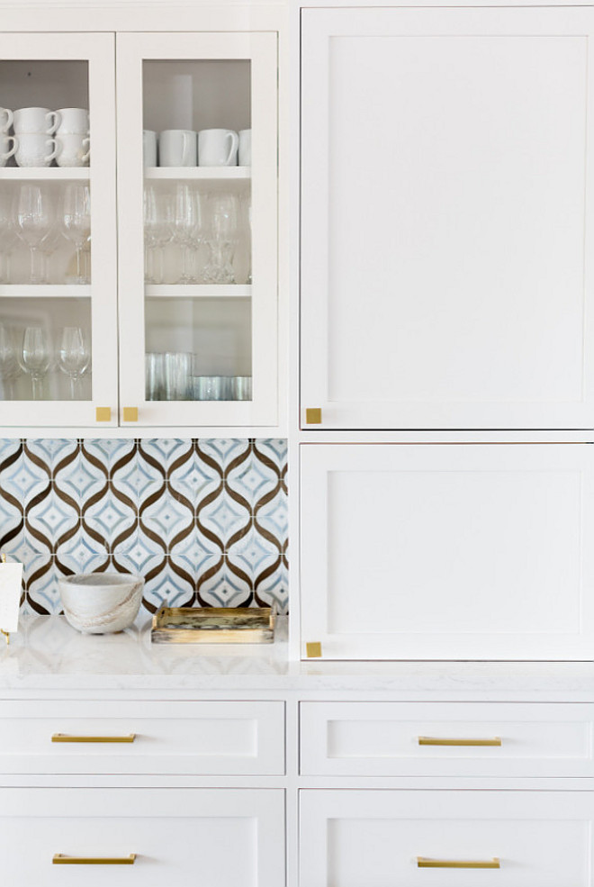 Benjamin Moore Simply White OC-117. Benjamin Moore Simply White OC-117 Kitchen Cabinet Paint Color. Benjamin Moore Simply White OC-117 #BenjaminMooreSimplyWhiteOC117 #BenjaminMoore #SimplyWhite #OC117