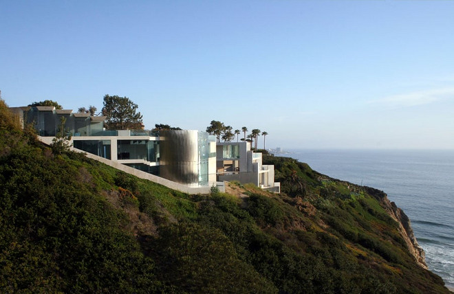 Contemporary homes for sale. Razor House. Modern homes for sale. Razor House. Via Don Burns.
