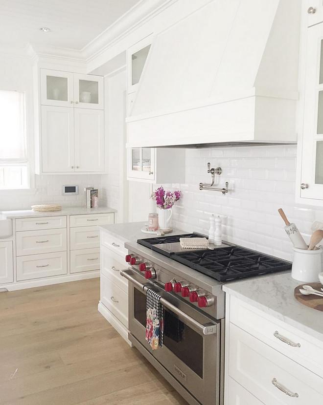 Kitchen hood. White Kitchen hood. Kitchen hood Kitchen hood #Kitchenhood #Kitchen #hood jshomedesign