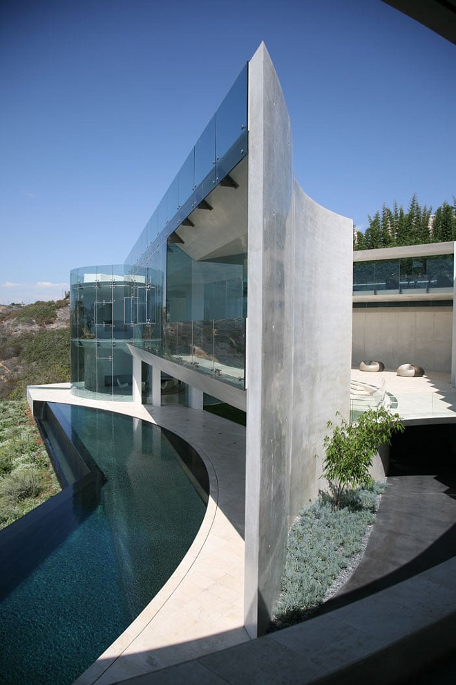 The Razor House. Crisp, modern architecture, the razor house. Razor House. Via Don Burns.