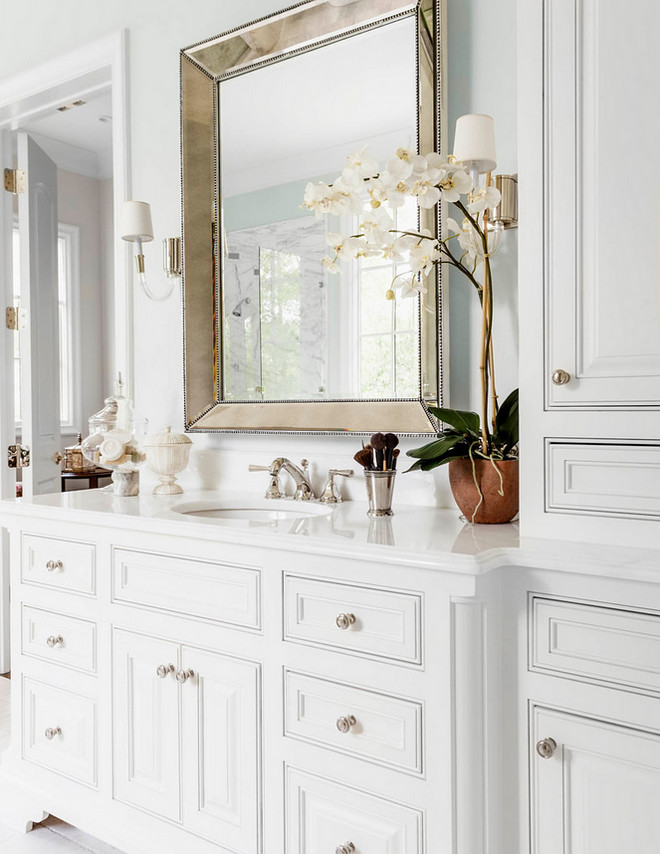 Timeless bathroom cabinet design White Timeless bathroom cabinet design. Timeless bathroom cabinet design #Timelessbathroom #whitecabinet #cabinetdesign Robert Elliott Custom Homes