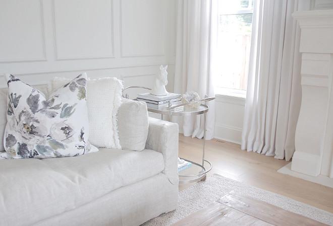 Toss Pillows- Designers Guild -Shanghai Garden Ecru. Living room Toss Pillows- Designers Guild -Shanghai Garden Ecru. #Livingroom #TossPillows #Pillows #DesignersGuild #ShanghaiGarden #Ecru jshomedesign