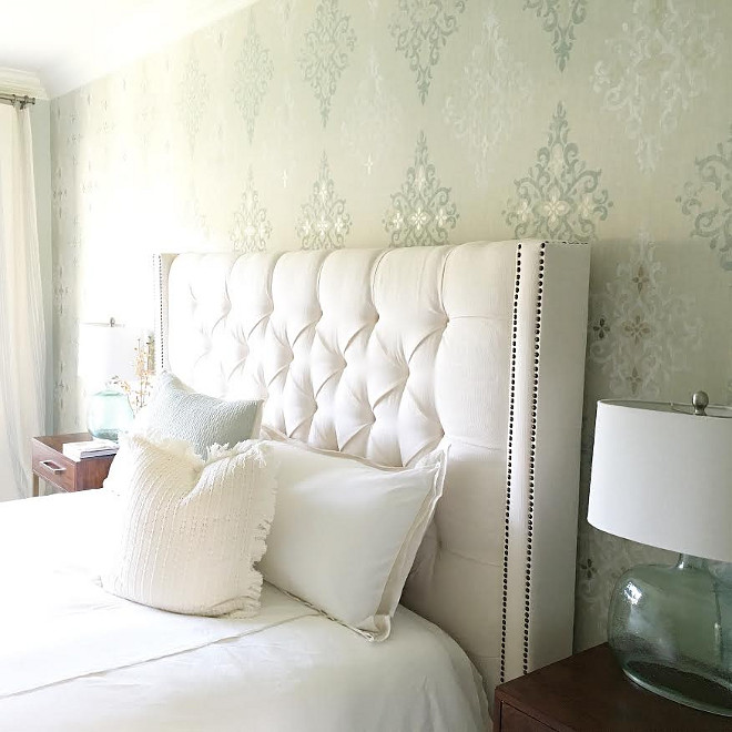 White headboard. Master bedroom white headboard. Bedroom features White headboard. #Whiteheadboard #headboard Beautiful Homes of Instagram carolineondesign