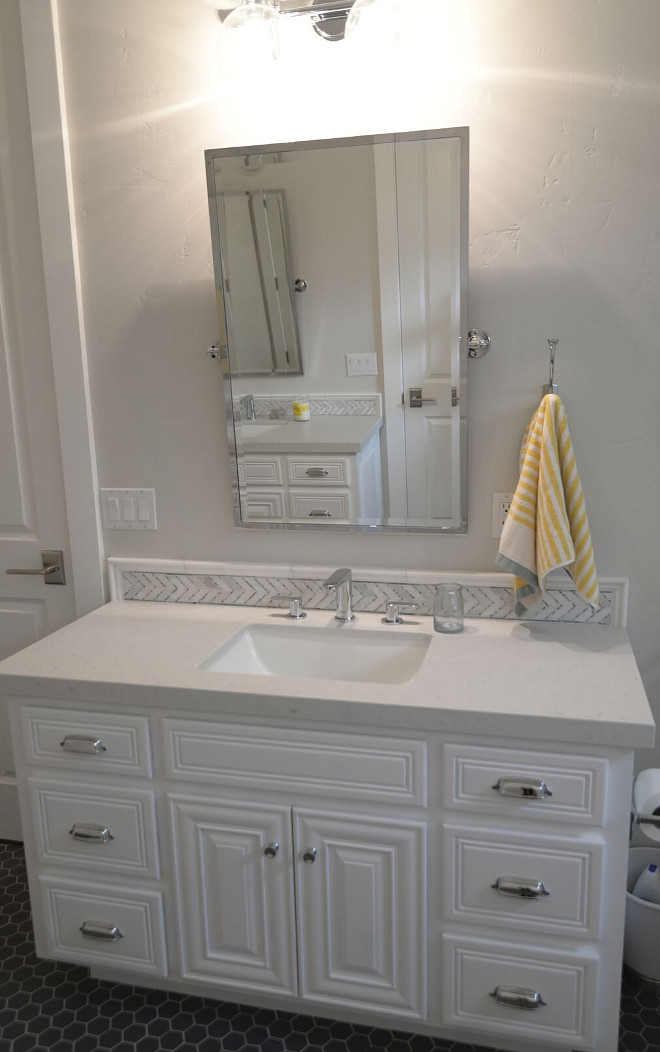 Benjamin Moore OC-117 Simply White. Benjamin Moore OC-117 Simply White. Benjamin Moore OC-117 Simply White. benjamin-moore-simply-white #BenjaminMooreOC117SimplyWhite #BenjaminMoore #OC117 #SimplyWhite Eye for the Pretty
