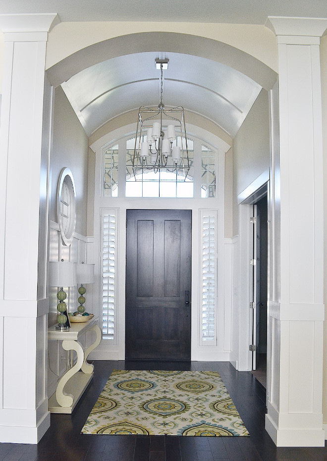 Arched ceiling foyer. Arched ceiling foyer ideas. Foyer with arched ceiling. #Archedceiling #foyer #arch #ceiling Sita Montgomery Interiors.