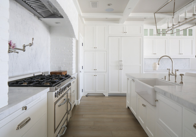 Benjamin Moore Decorator's White OC-149. Benjamin Moore Decorator's White OC-149. Benjamin Moore Decorator's White OC-149 #BenjaminMooreDecoratorsWhiteOC149 Winkle Custom Homes. Melissa Morgan Design. Ryan Garvin Photography