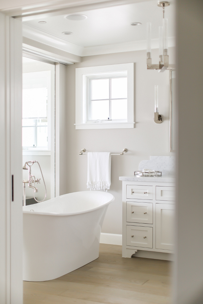 Benjamin Moore HC-172 Revere Pewter and Benjamin Moore Decorators White. Winkle Custom Homes. Melissa Morgan Design. Ryan Garvin Photography
