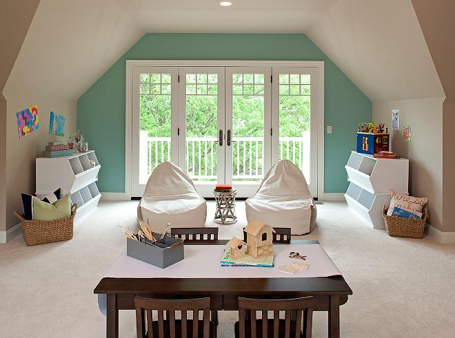 Classic East Coast Shingle Style Lakeside Cottage Home