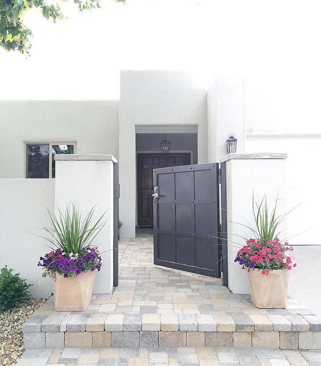 Black metal steel gate. Front gate made of steel. Steel gate. Steel front gate. Courtyard gate. #Steelgate #gate #courtyard #frontgate #gates Designed by aedriel