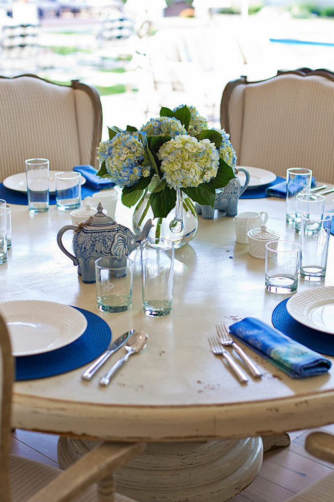 Blue and white table setting. #bluenadwhite #tablesetting blue-and-white-table-setting Nicole Lee Interior Designs