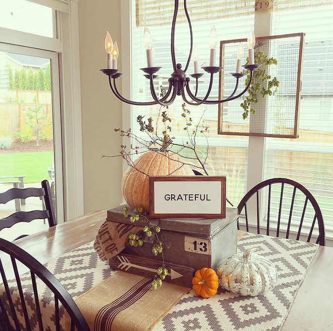 breakfast-room-fall-table-decor-yellowprairieinteriors-via-instagram