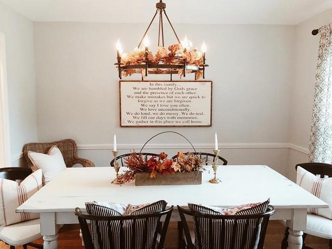 Farmhouse Dining room Fall Decor. Farmhouse Dining Room with Fall Decor. Farmhouse Dining room Fall Decor. Farmhouse Dining room Fall Decor Ideas. #Farmhouse #Diningroom #Fall #FallDecor Via mygreyskyehome