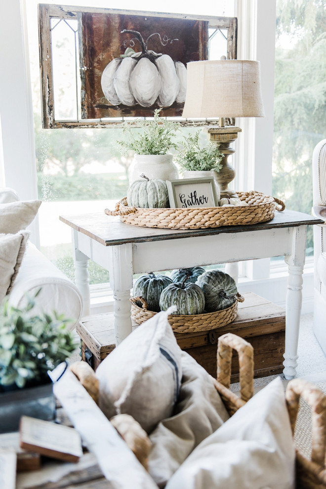 farmhouse-sidetable-decor-liz-marie-blog