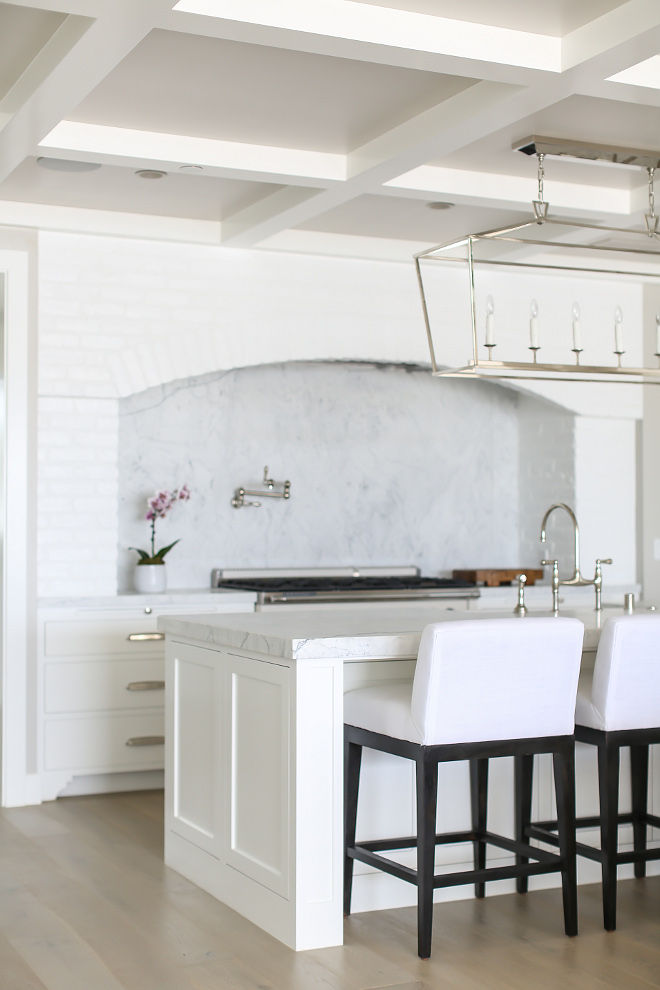 Benjamin Moore Decorators White. Benjamin Moore OC-149 Decorators White. Benjamin Moore Decorators White. Benjamin Moore OC-149 Decorators White. Benjamin Moore Decorators White. Benjamin Moore OC-149 Decorators White. #BenjaminMooreDecoratorsWhite #BenjaminMoore #OC149 #DecoratorsWhite Winkle Custom Homes. Melissa Morgan Design. Ryan Garvin Photography